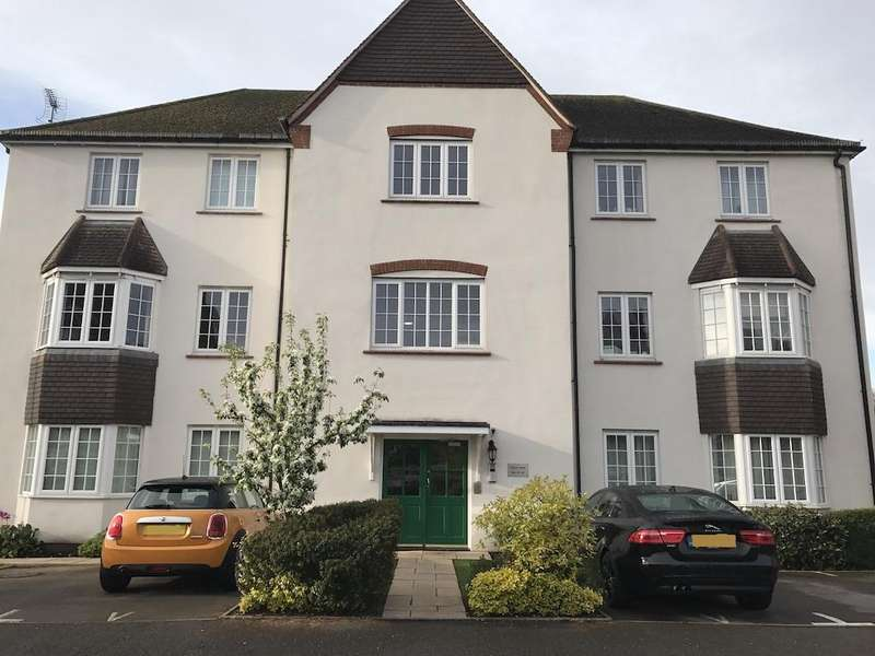 2 Bedrooms Apartment Flat for sale in Foxley Drive, Catherine-De-Barnes, Solihull, B91 2TX