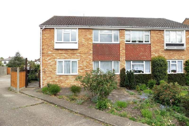 2 Bedrooms Maisonette Flat for sale in Catherine Drive, Sunbury-onThames, TW16