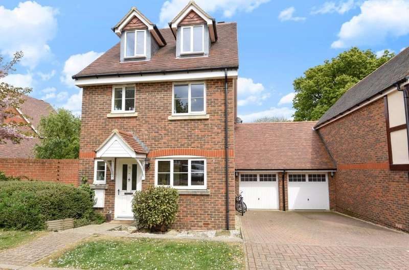 4 Bedrooms Link Detached House for sale in The Grange Hurstpierpoint West Sussex BN6