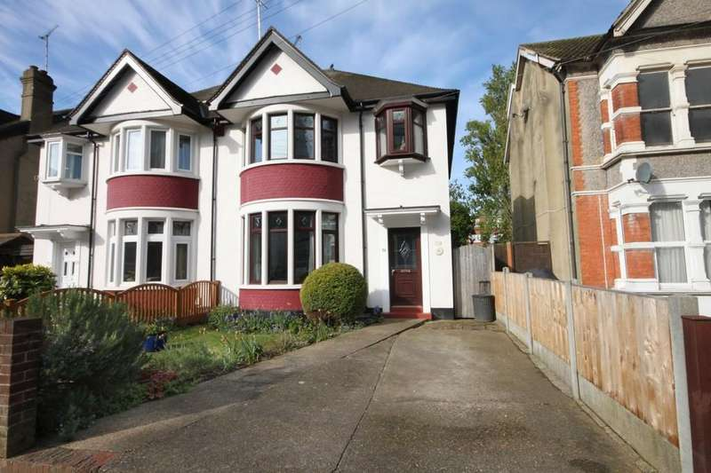 3 Bedrooms Semi Detached House for sale in Baxter Avenue, Southend-on-Sea