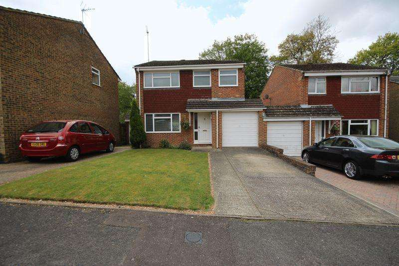 3 Bedrooms Detached House for sale in Rushwood Close, Haywards Heath