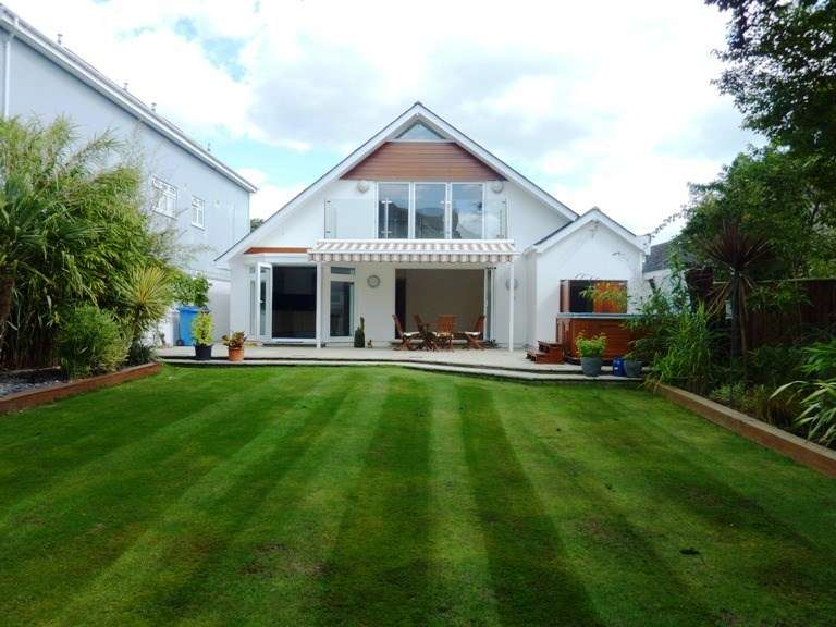 5 Bedrooms Detached House for sale in Sandbanks, Poole, BH13