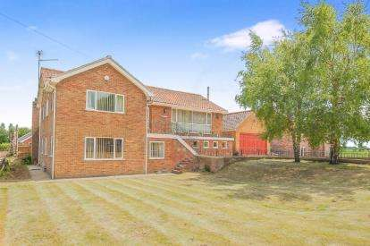 4 Bedrooms Detached House for sale in Terrington St. John, Norfolk