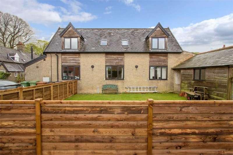 3 Bedrooms Cottage House for sale in Grammar School Yard, Banham, Norfolk