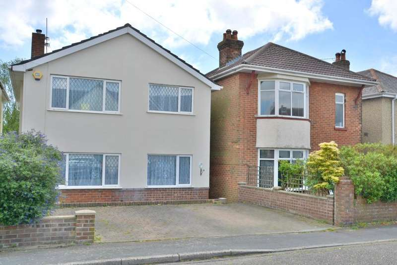 4 Bedrooms Detached House for sale in Lacey Crescent, Parkstone