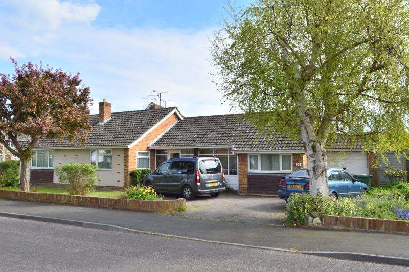 3 Bedrooms Detached House for sale in Newlands Road, Ruishton, Taunton, Somerset, TA3 5JZ