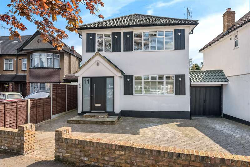 4 Bedrooms Detached House for sale in Evelyn Avenue, Ruislip, Middlesex, HA4