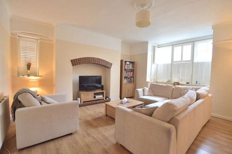 2 Bedrooms Flat for sale in Crystal Palace Park Road London SE26