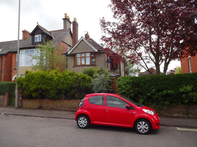 4 Bedrooms Detached House for sale in Salisbury Road, Blandford Forum DT11