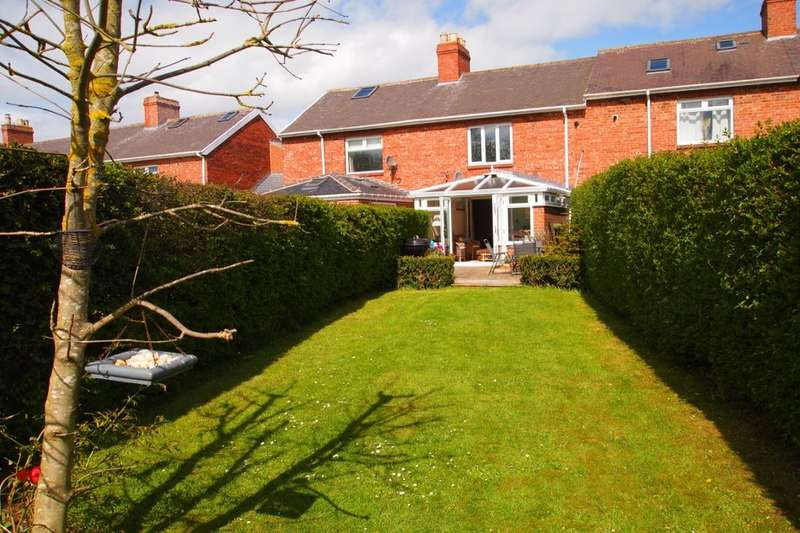 2 Bedrooms Property for sale in Heather Terrace, Burnopfield, Newcastle Upon Tyne, NE16