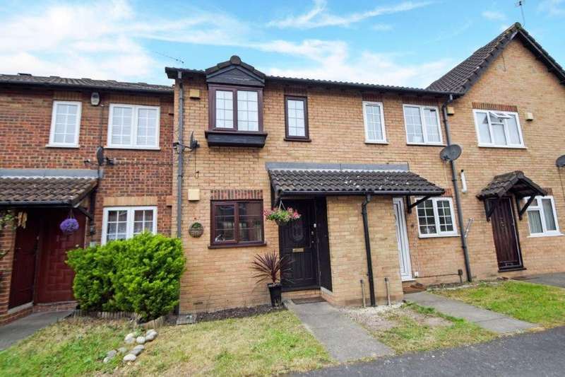 2 Bedrooms Terraced House for sale in Bruce Close, Cippenham, SL1