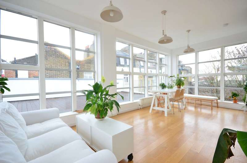3 Bedrooms Flat for sale in Bethwin Road, Camberwell, SE5