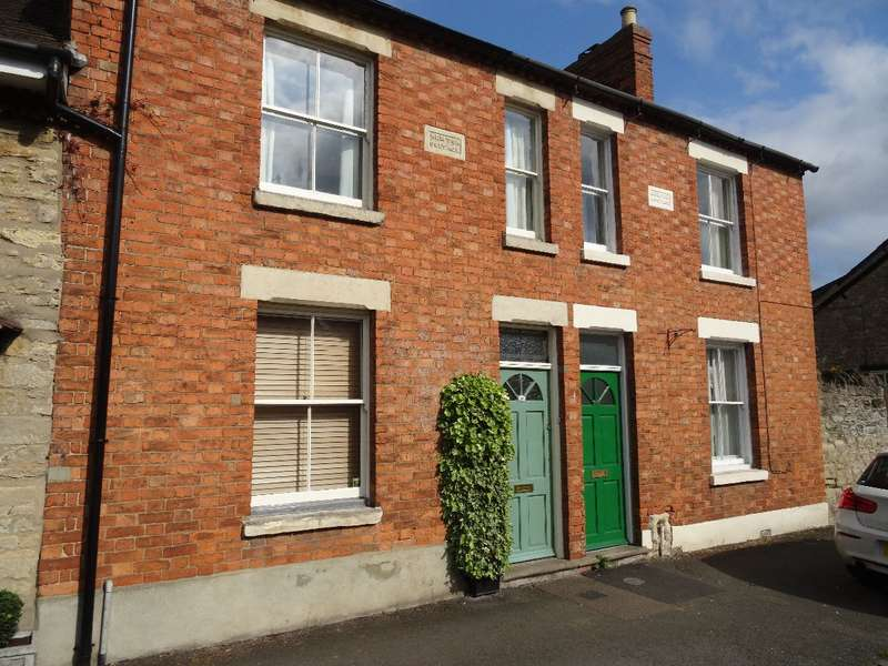 2 Bedrooms Terraced House for sale in DARTMOUTH ROAD, OLNEY