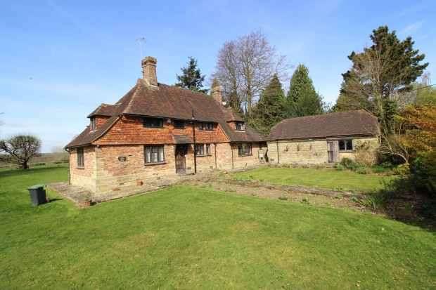 4 Bedrooms Detached House for sale in Church Lane, Haywards Heath, West Sussex, RH17 6UR
