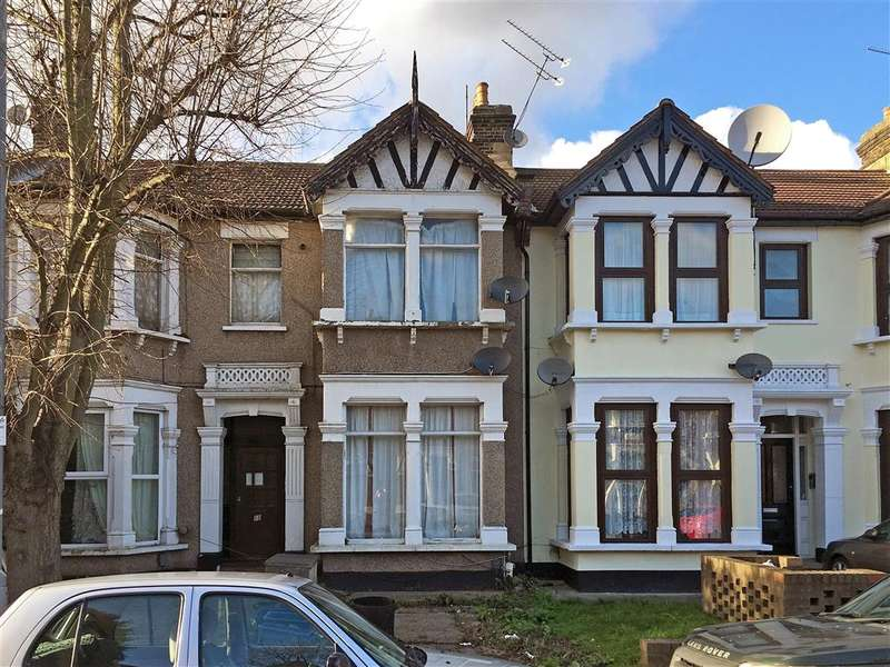 1 Bedroom Flat for sale in Beaufort Gardens, Ilford, Essex