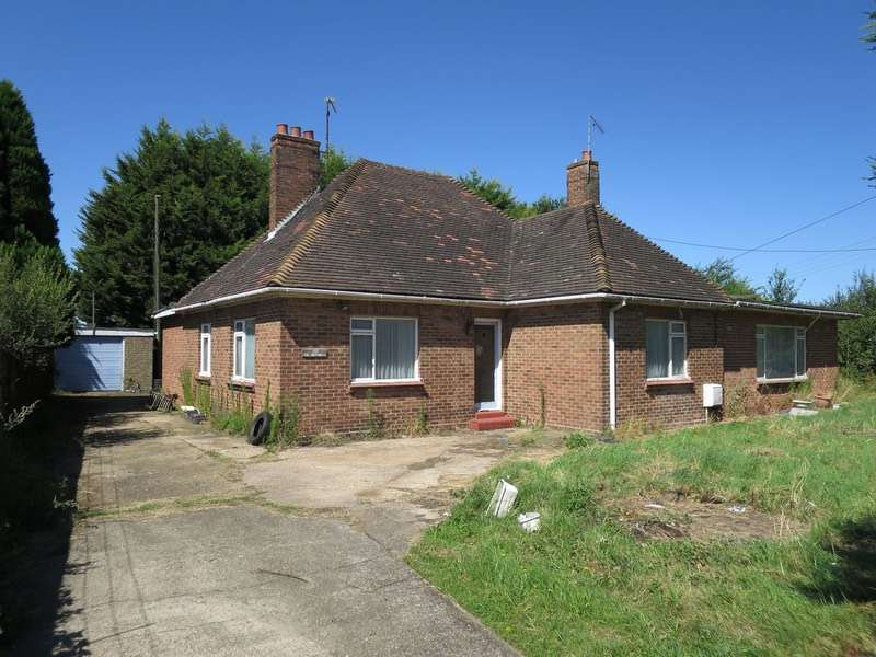 4 Bedrooms Bungalow for sale in Lynn Road, Kings Lynn, Norfolk, PE33