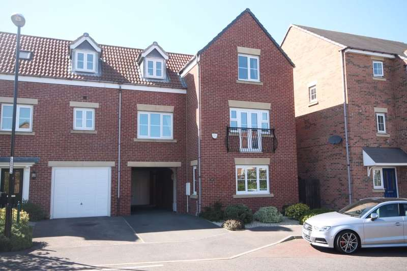 4 Bedrooms Semi Detached House for sale in Kingswood, Penshaw, DH4