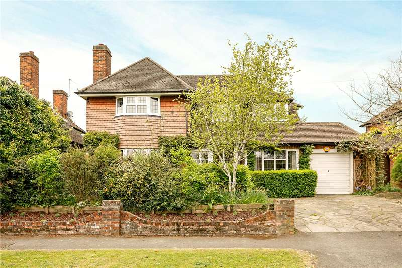 4 Bedrooms Detached House for sale in Manor Way, Chesham, Buckinghamshire, HP5