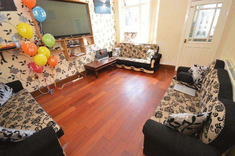 2 Bedrooms Terraced House for sale in Eric Street, Oldham