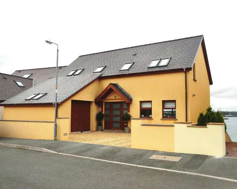 5 Bedrooms Detached House for sale in Pennar