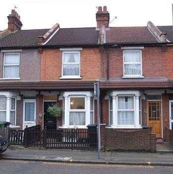 2 Bedrooms Terraced House for sale in West Watford, WD18
