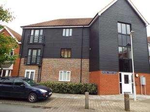 2 Bedrooms Flat for sale in Edward Vinson Drive, Faversham