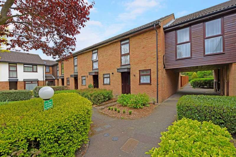 2 Bedrooms End Of Terrace House for sale in Avondale, Ash Vale, GU12
