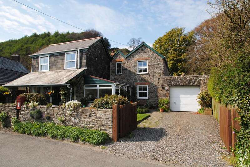 5 Bedrooms Detached House for sale in Brendon, Lynton