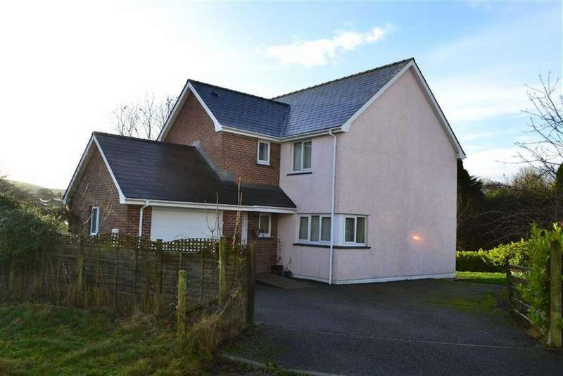 4 Bedrooms Detached House for sale in Mydroilyn