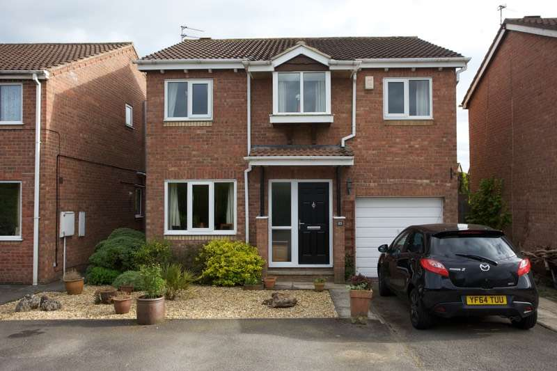 4 Bedrooms Detached House for sale in Carron Crescent, York, North Yorkshire, YO24