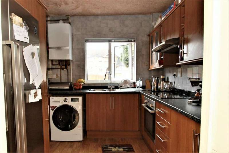 2 Bedrooms Terraced House for sale in Low Hall Lane