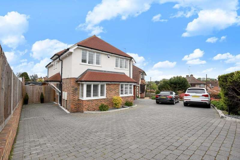 4 Bedrooms Detached House for sale in Corkscrew Hill, West Wickham, BR4