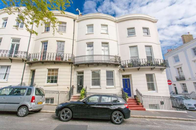 2 Bedrooms Ground Flat for sale in Norfolk Square, Brighton
