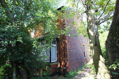 4 Bedrooms Semi Detached House for sale in Sheffield Road, Hyde, Greater Manchester