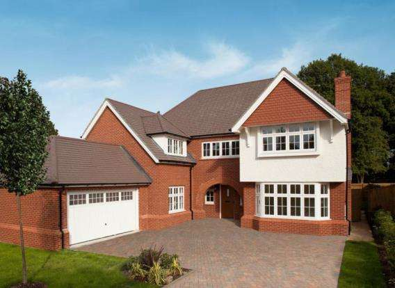 Semi Detached House for sale in Queens Road, Woking, Surrey