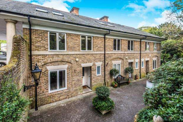 4 Bedrooms House for sale in Kingston, Surrey, England