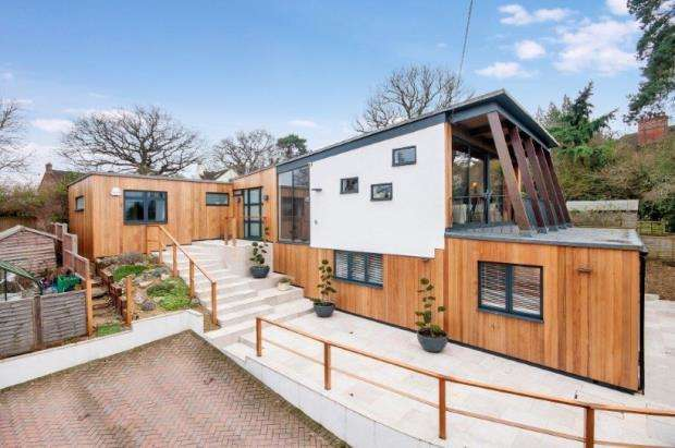 5 Bedrooms Detached House for sale in Send, Woking, Surrey