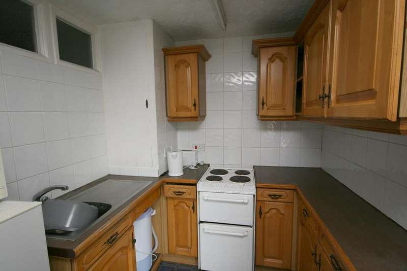 Studio Flat for sale in Wostenholm Road, Nether Edge, Sheffield S7