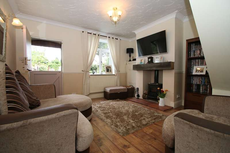 2 Bedrooms Terraced House for sale in Church Street, Hagley, Stourbridge, DY9