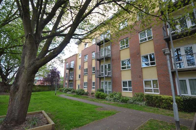 2 Bedrooms Penthouse Flat for sale in Caversham Borders