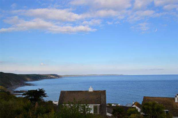 4 Bedrooms Detached House for sale in Listowel Drive, Looe, Cornwall