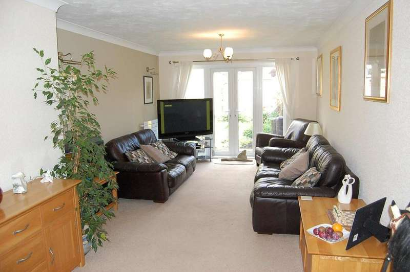3 Bedrooms Detached Bungalow for sale in Highfields, Lakenheath