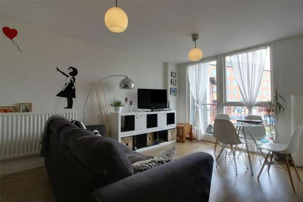 2 Bedrooms Flat for sale in Park Central, 1 Langley Walk, BIRMINGHAM, West Midlands