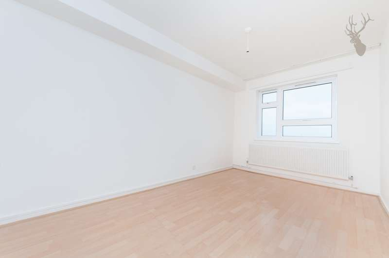 1 Bedroom Flat for sale in Amunsden House, Stonebridge Park, London, NW10
