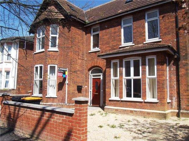 3 Bedrooms Apartment Flat for sale in Chaucer Road, Bedford