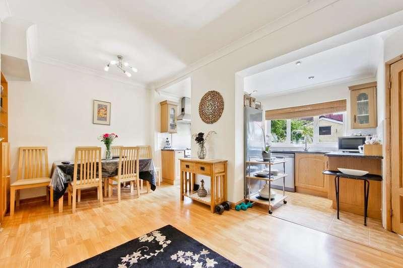 2 Bedrooms Flat for sale in Settlers Court, 17 Newport Avenue, London E14