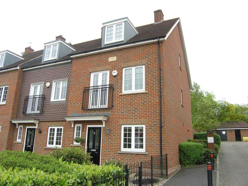 4 Bedrooms Town House for sale in Bournemead, Bushey