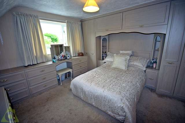5 Bedrooms Detached House for sale in The Avenue, Leigh, WN7
