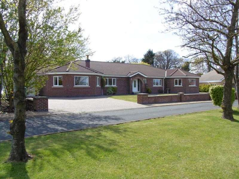 5 Bedrooms Detached House for sale in Westhill Village, Ramsey, IM8 3TD