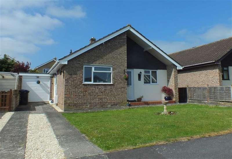 3 Bedrooms Property for sale in Hollis Way, Southwick, Trowbridge, Wiltshire, BA14
